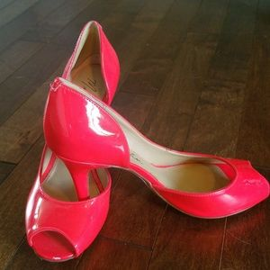 Neon Coral Pink size 5.5 Marc Fisher Peep Toe